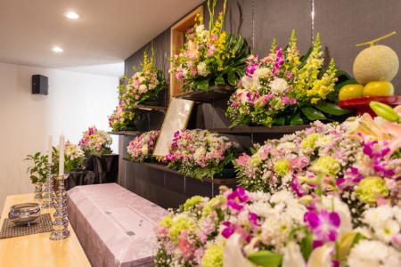 葬儀の祭壇はどう選ぶ⁉︎葬儀に使用する祭壇の種類について